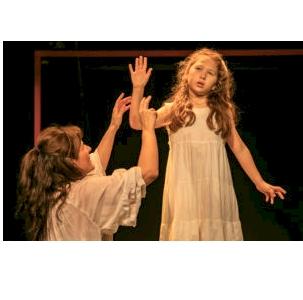 Εορταστικό πρόγραμμα: «Το θαύμα της Άννυ Σάλιβαν» στο θέατρο Μεταξουργείο